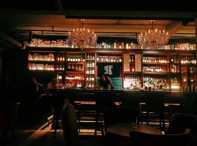 威士忌头部品牌极为强势,严重依赖团购销售渠道