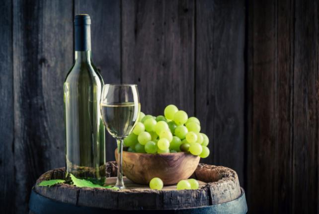 冬天给葡萄酒加个温,应该怎么做?