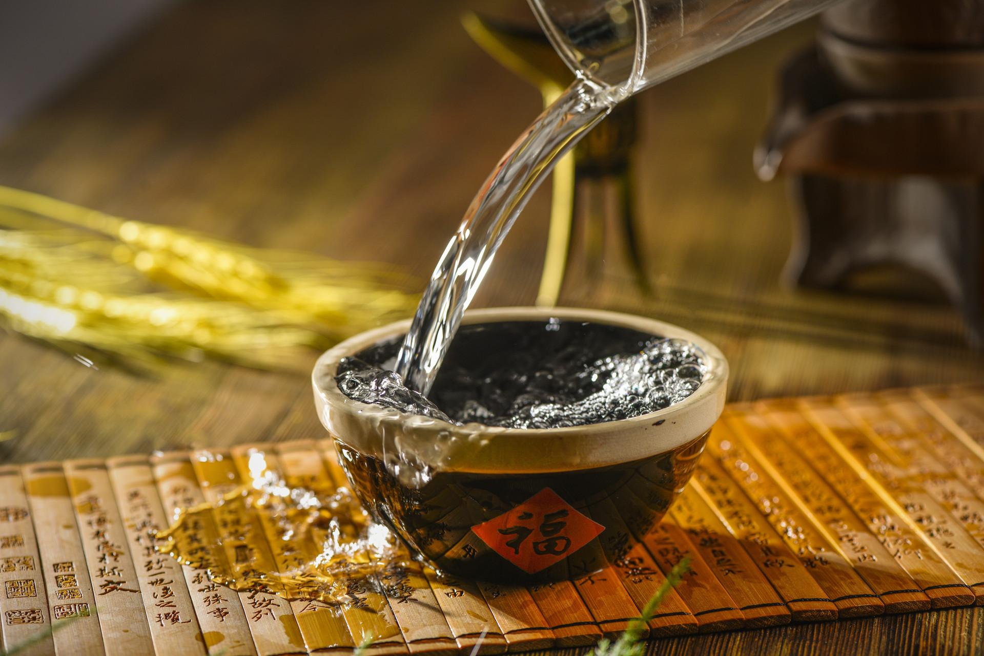 中国白酒的别名以及制法原理是怎么样的呢