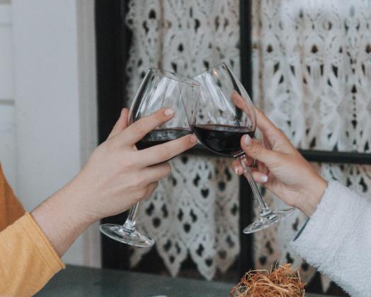 红葡萄酒一天喝多少?