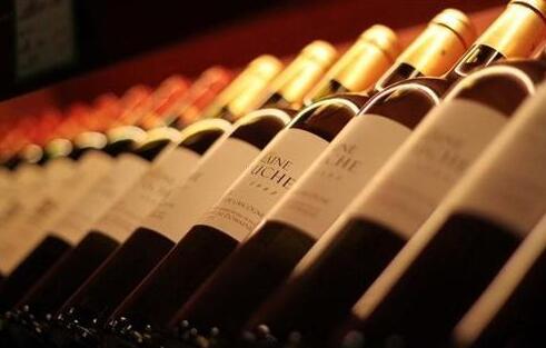 疫情推动小支装葡萄酒需求上升