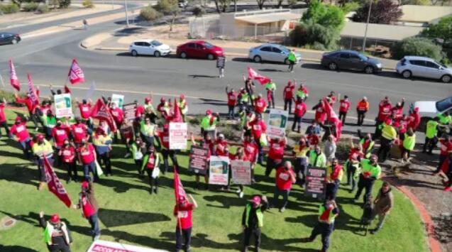 誉嘉酒业工人举行大罢工,反对公司新协议